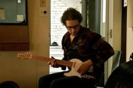 Professeur de guitare, basse et ukulélé